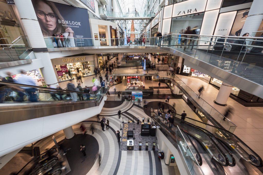 winkelcentrum met meerdere verdiepingen