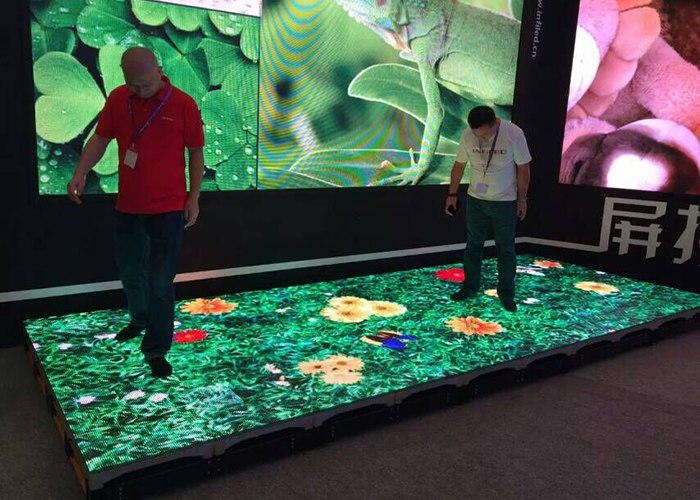 vloer van LED schermen narrowcasting trends
