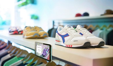 digital signage as POS TV to display product information