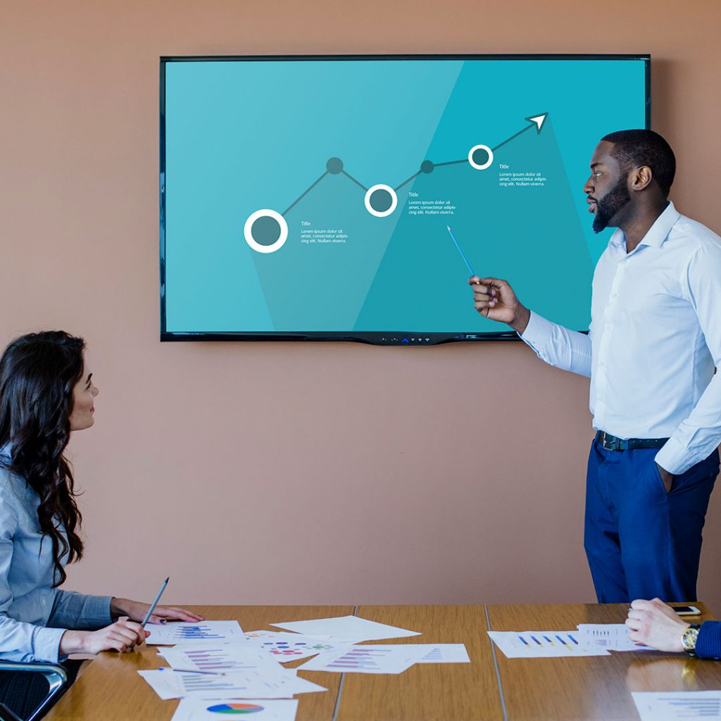 Digital signage displays can be used for internal communications - Easyscreen.TV