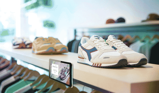 digital signage for the ultimate in-store customer experience - pos tv